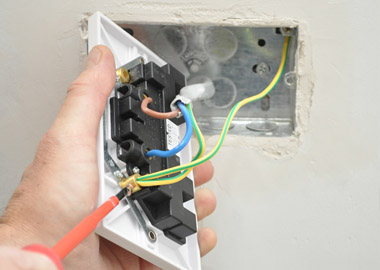 electric socket install